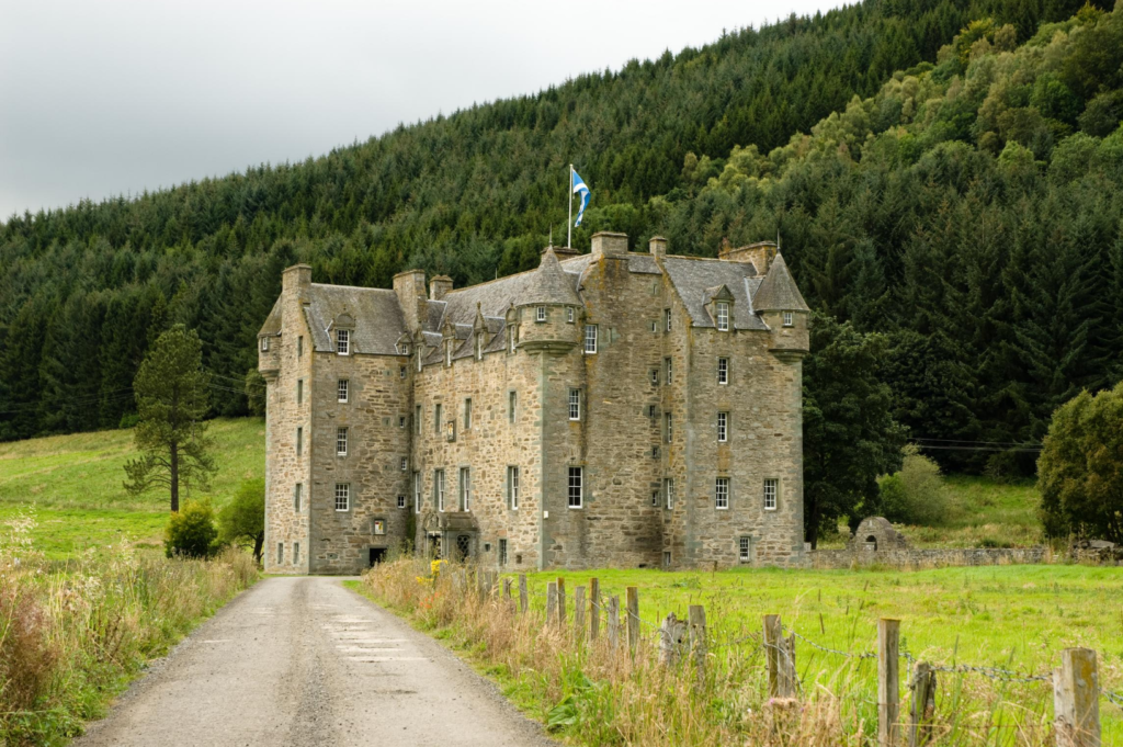 Castle Menzies photo